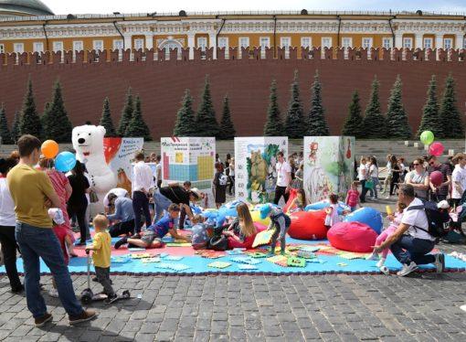 Самый ценный груз – самым маленьким получателям: «Деловые Линии» стали партнером книжного фестиваля «Красная площадь»